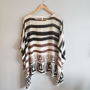 🦋3/$25 Chico's Batwing Sheer Striped Top